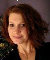 """Stéphanie, animatrice des ateliers """"travaux manuels"""", pour les enfants et """"scrapbooking"""""""